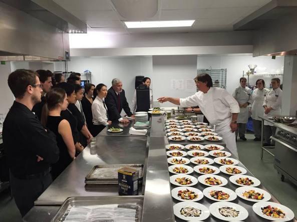 Il cibo sarà il futuro della medicina Usa: i dottori imparano a cucinare