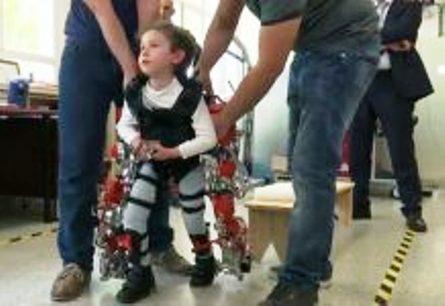 Arriva l' esoscheletro pediatrico