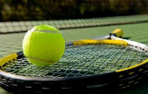 Il segreto per una vita lunga e in salute? Una racchetta da tennis