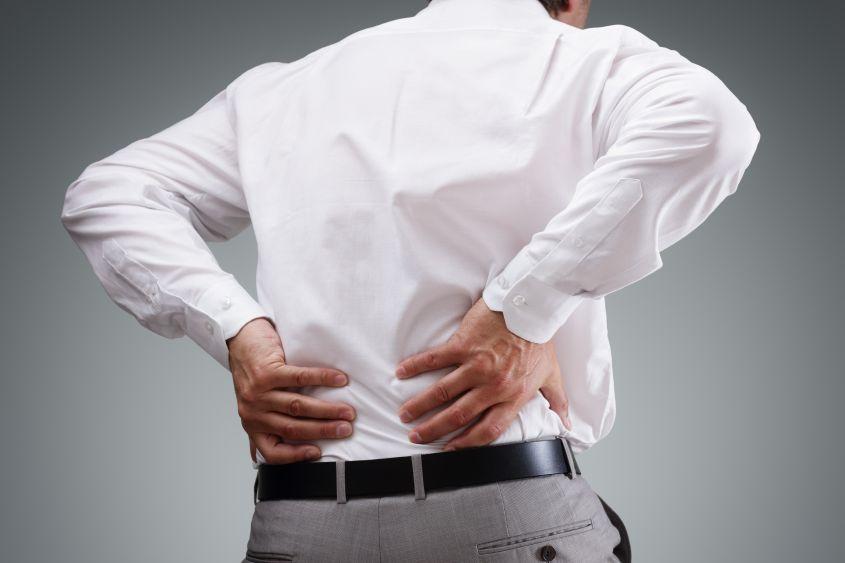 Mal di schiena: quando il dolore diventa cronico bisogna aiutare anche la mente