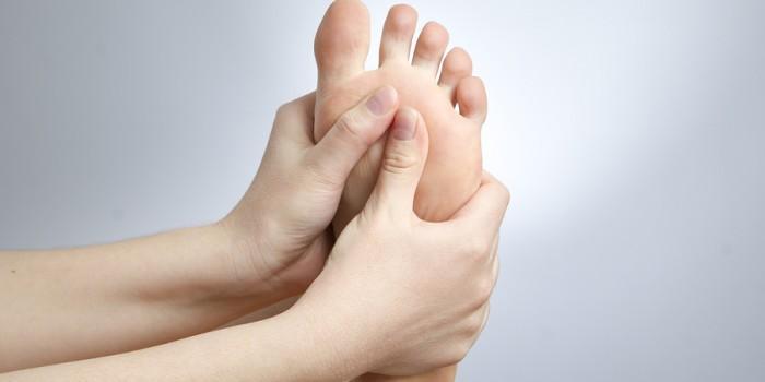 Dolore all'avampiede, lo sai che lo riduci se rinforzi i muscoli dei piedi?